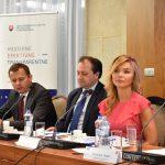 dialóg s odborníkmi z akademického a podnikateľského prostredia