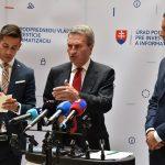 Günther Oettinger a Richard Raši na tlačovom vyhlásení
