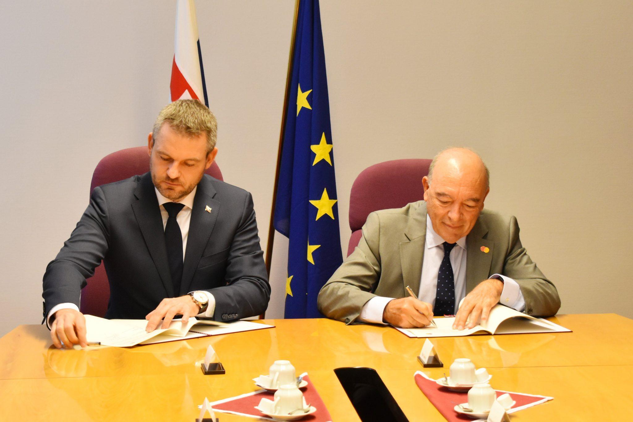 P. Pellegrini podpísal memorandum o spolupráci so spoločnosťou Mastercard