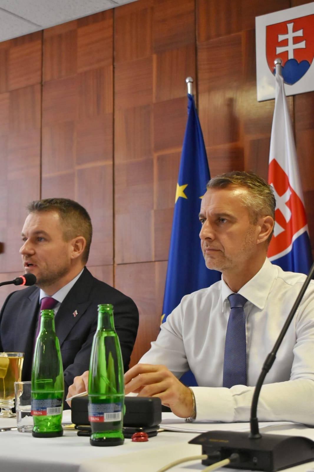 Vláda schválila regionálne príspevky okresom Revúca i Rimavská Sobota