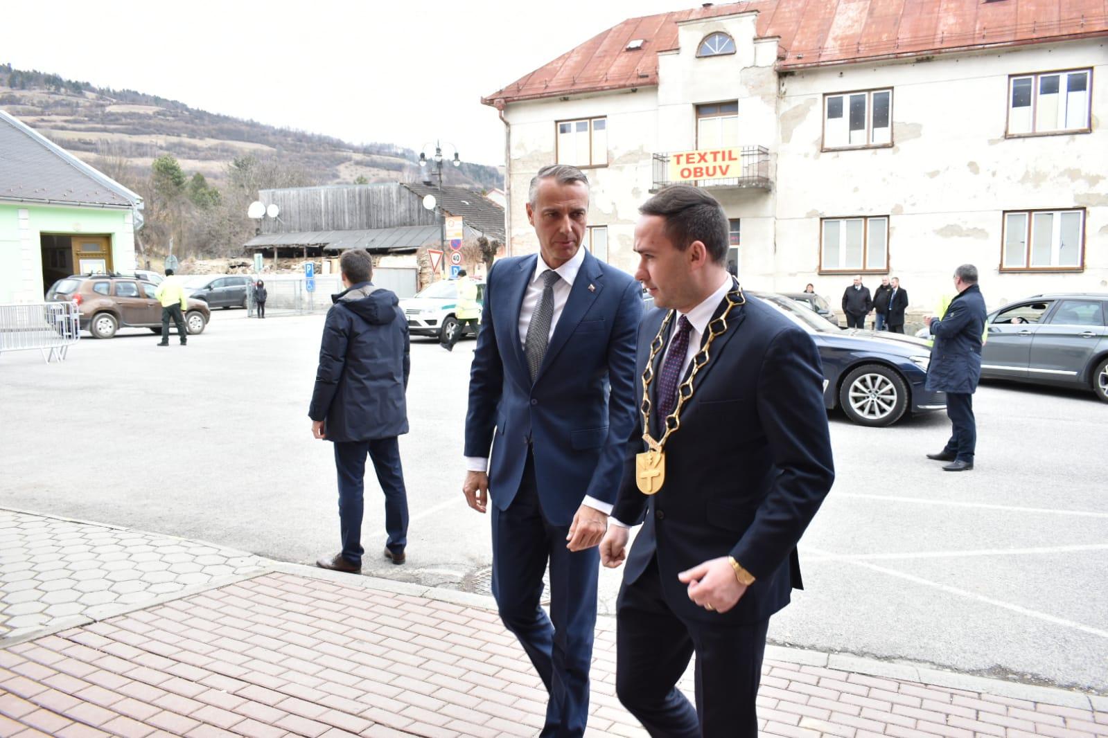 Pre okres Sabinov rozdelila vláda 1,1 milióna eur, v Gelnici sa zamerala na zníženie nezamestnanosti