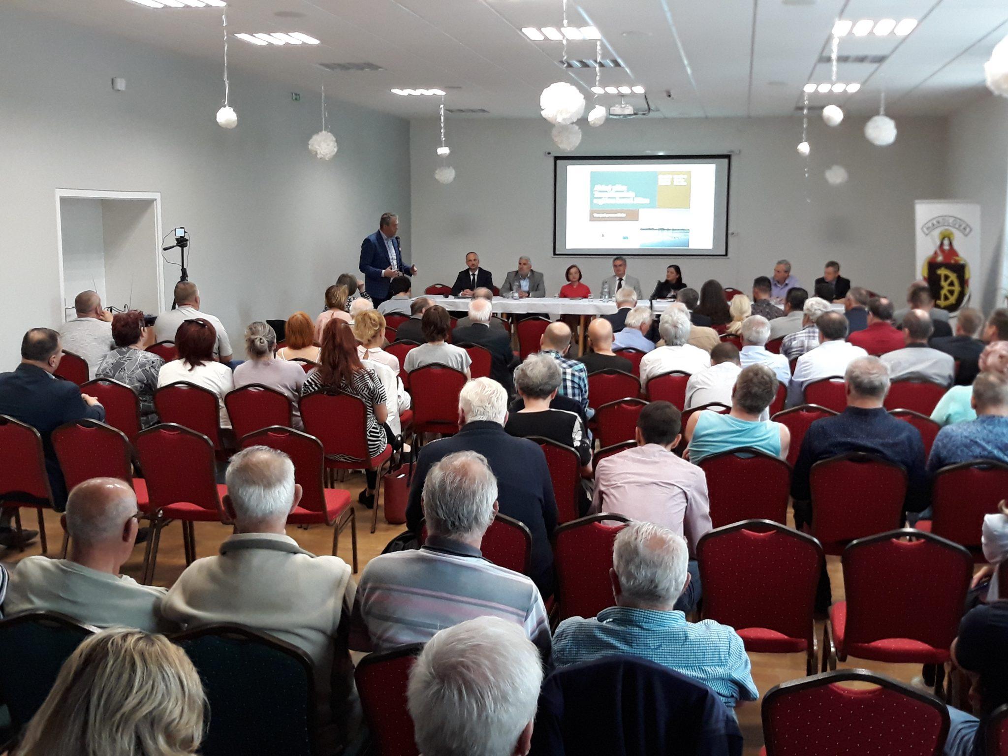V Handlovej sme zorganizovali prvé verejné pripomienkovanie Akčného plánu regiónu horná Nitra