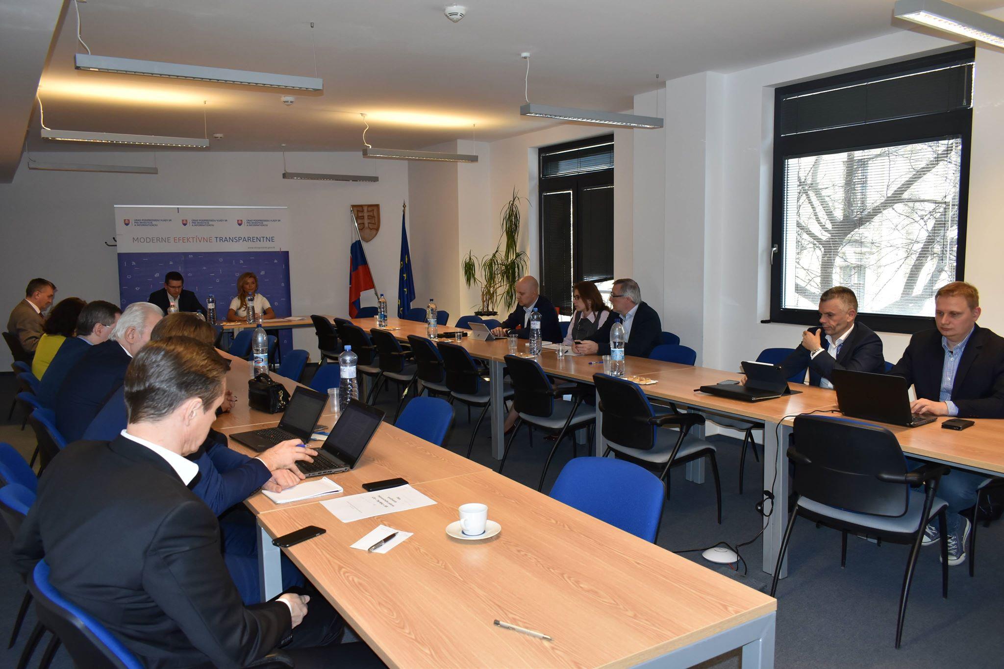Pracovná skupina na úrade vicepremiéra bude riešiť širokopásmové pripojenie na internet