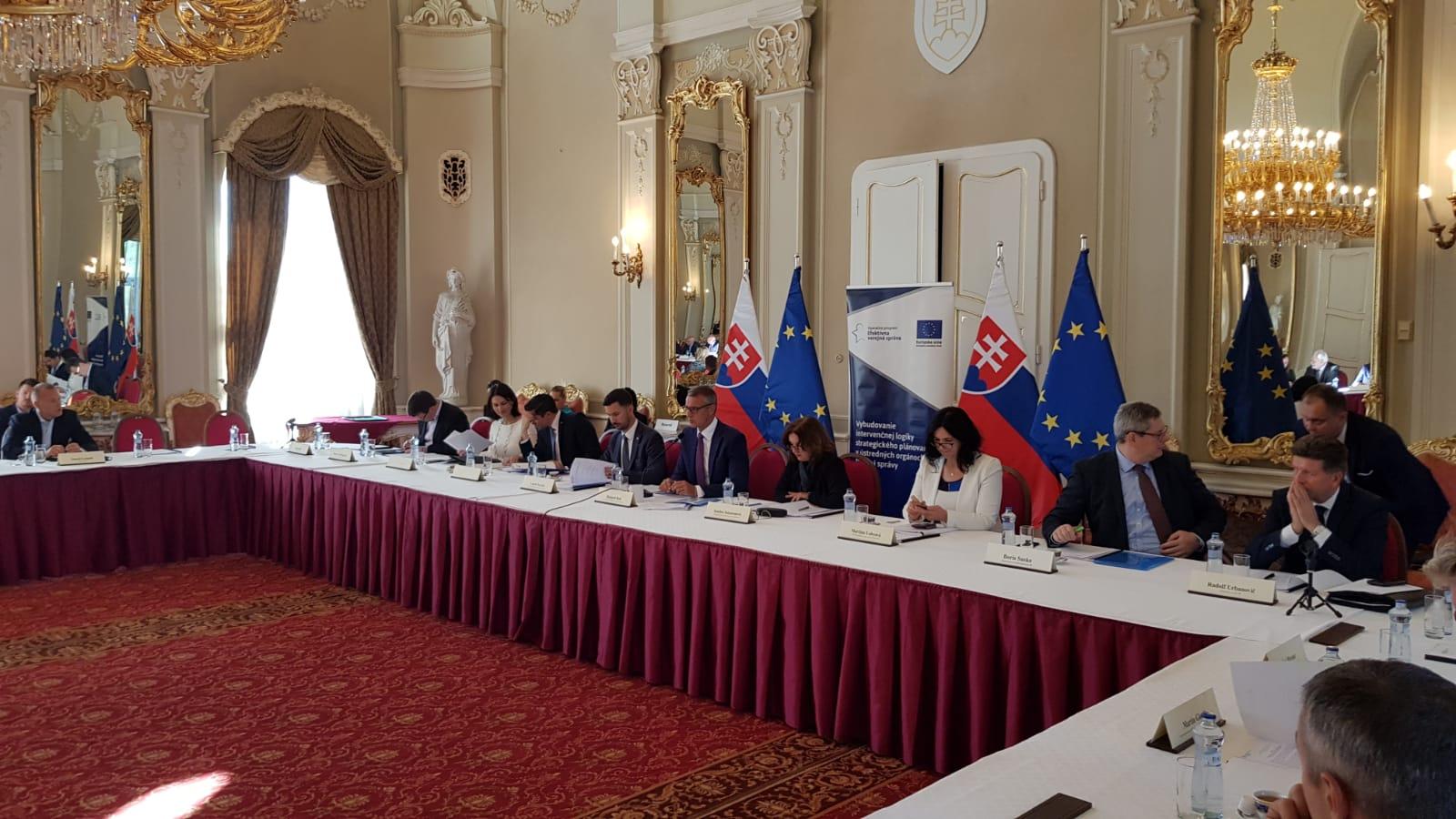 Vicepremiér R. Raši predstaví dokument Vízia a stratégia Slovenska 2030 na Národnom konvente