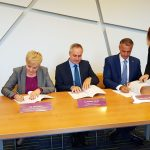 Richard Raši podpisuje Memorandum o spolupráci
