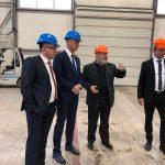 Richard Raši vykonáva terénnu kontrolu projektov, na ktoré prispel Úrad podpredsedu vlády SR v okrese Trebišov