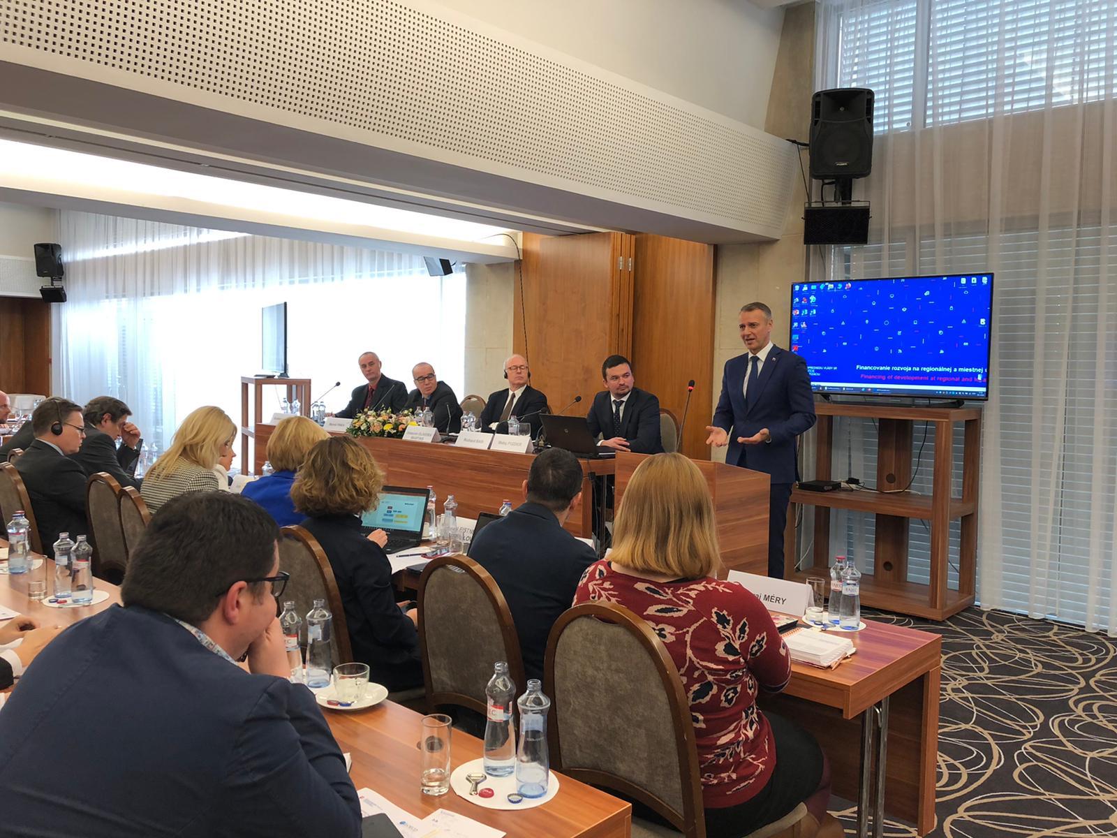 Vicepremiér Raši a experti z OECD diskutovali o efektívnej podpore regiónov