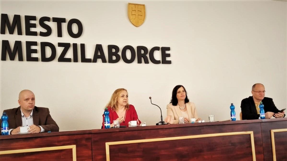 Vicepremiérka Remišová počas návštevy Medzilaboriec: Zaostávajúce regióny musia cítiť zvýšenú podporu zo strany štátu