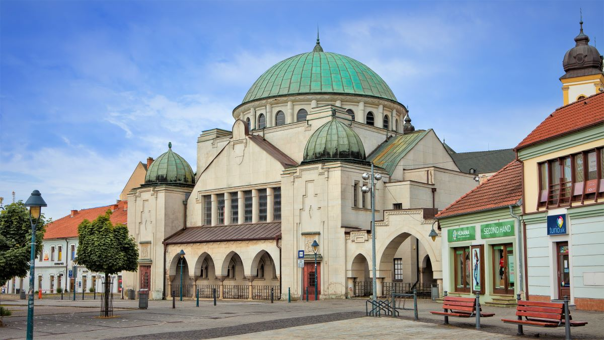Po rokoch čakania sa dočká obnovy vzácna synagóga v Trenčíne, pomôžu granty EHP