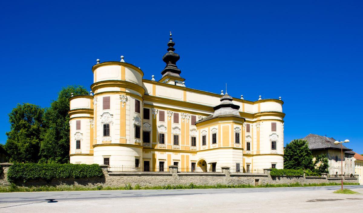 Dobrá správa pre turizmus na Spiši – v kaštieli v Markušovciach obnovíme Kúriu Zuzana za milión eur