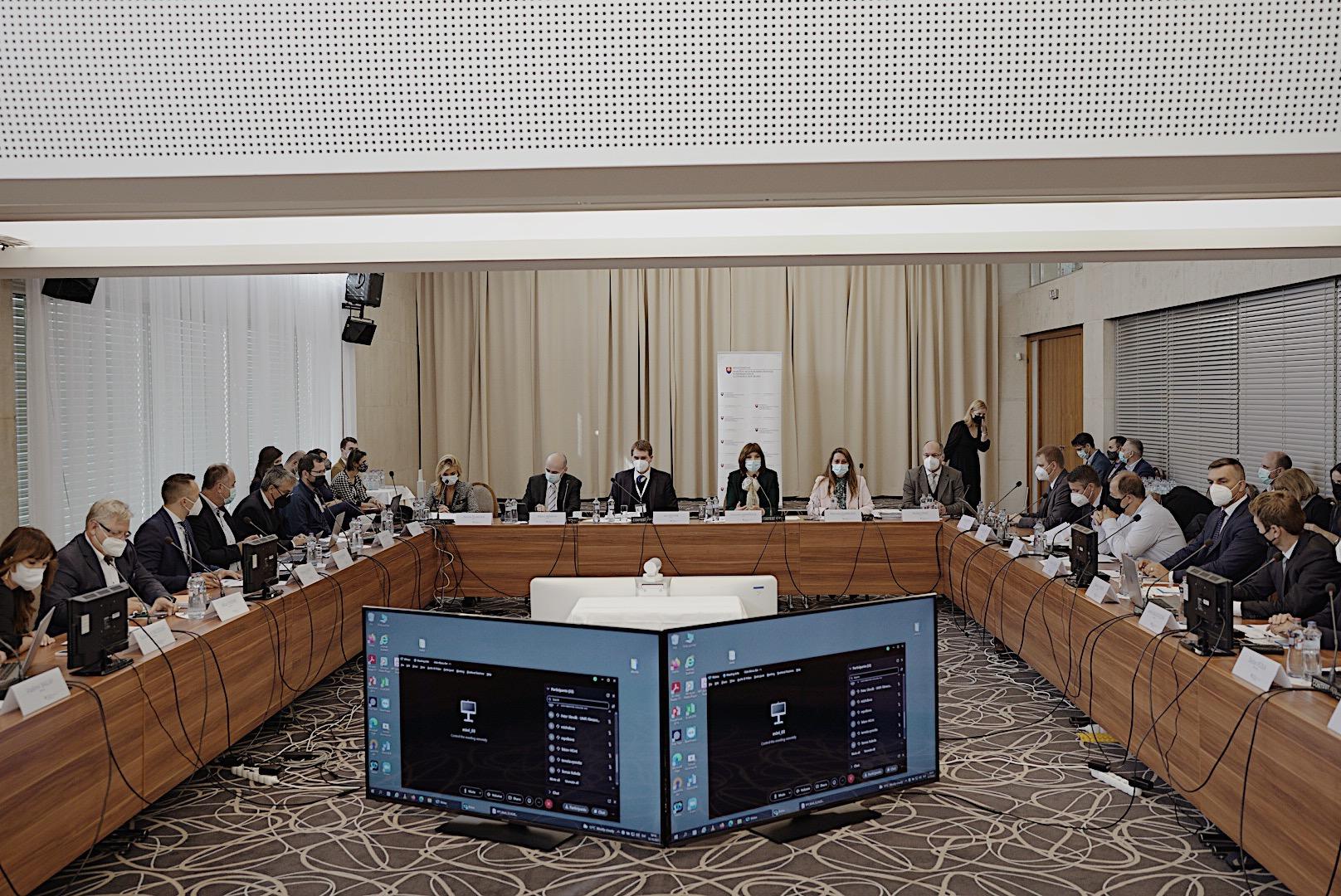 Vicepremiérka Remišová: Z nových pravidiel prideľovania fondov EÚ budú mať osoh aj regióny